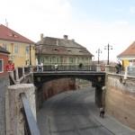 Liars bridge